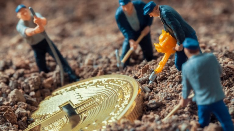 Hive Blockchain Buys 6,400 Bitcoin Miners From Canaan, Capacity Reaches 1,229 PH/s